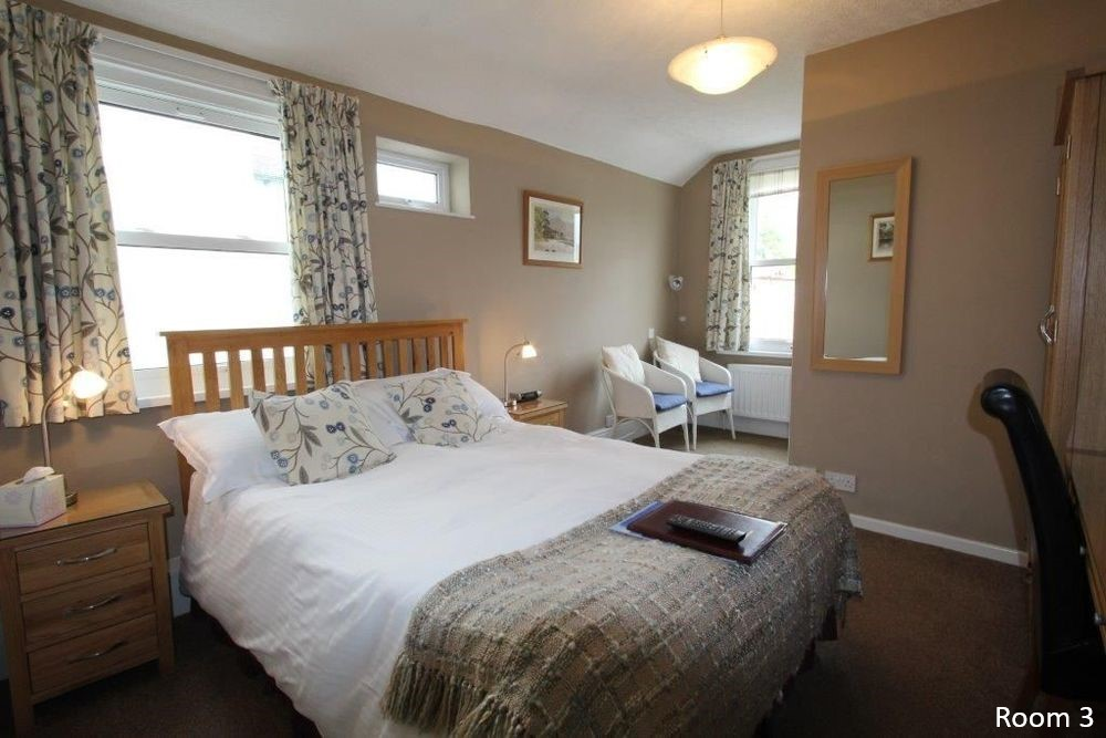 Double and Twin rooms at Brierholme Guest House, all en suite rooms at this Keswick bed and breakfast guest house in the Lake District4